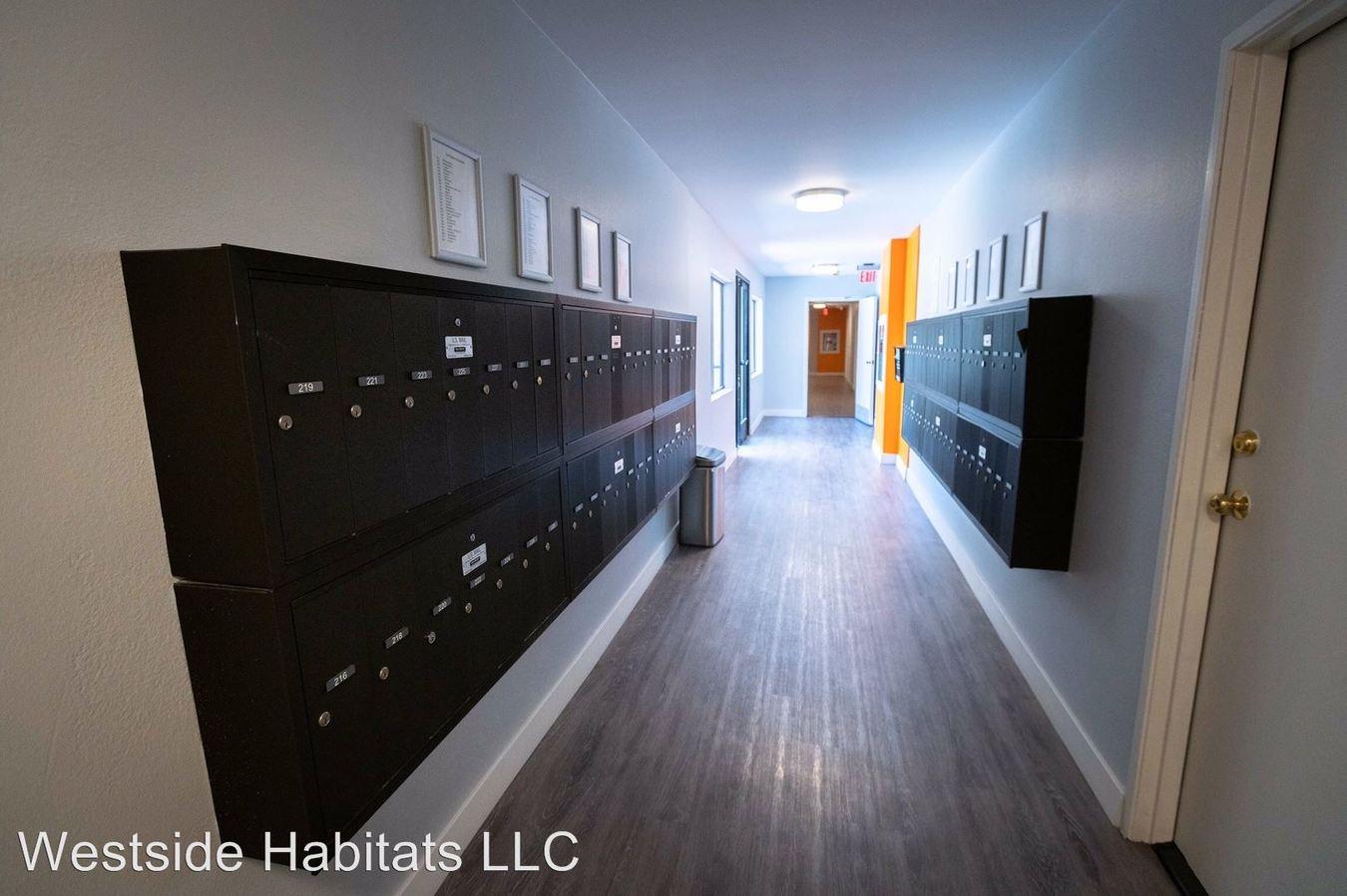 Studio 1 Bathroom Apartment for rent at 2039 N Las Palmas Ave in Los Angeles, CA