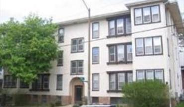 Similar Apartment at 916 E Gorham Street