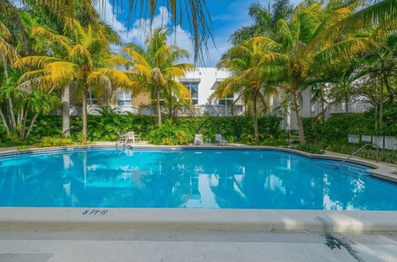 Apartments Near Barry The Cloisters for Barry University Students in Miami Shores, FL