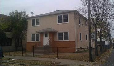 Similar Apartment at 3017 19th Ave S