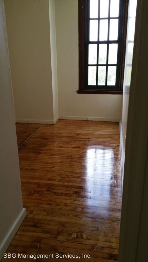 3 Bedrooms 1 Bathroom Apartment for rent at 718 N. 17th Street in Philadelphia, PA