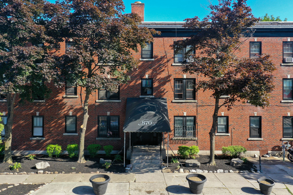 Lafayette Apartments photo