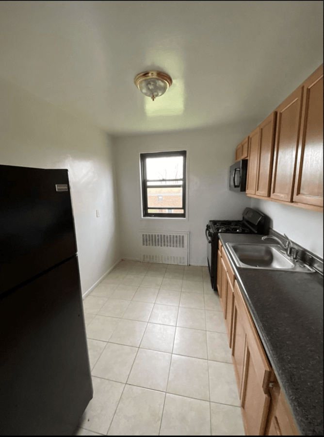 2 Bedrooms 1 Bathroom Apartment for rent at Beacon Hill Drive in Dobbs Ferry, NY