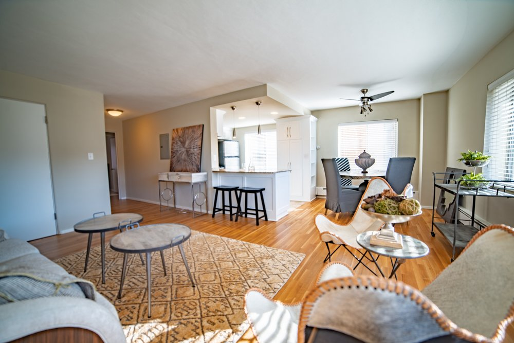 2 Bedrooms 1 Bathroom Apartment for rent at Sunset Country Club Plaza Apartment in Kansas City, MO