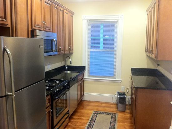 4 Bedrooms 3 Bathrooms Apartment for rent at 270 Parker Hill Ave in Boston, MA