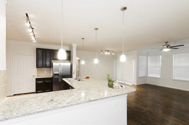 3 Bedrooms 2 Bathrooms Apartment for rent at Mansions At Lakeline in Austin, TX