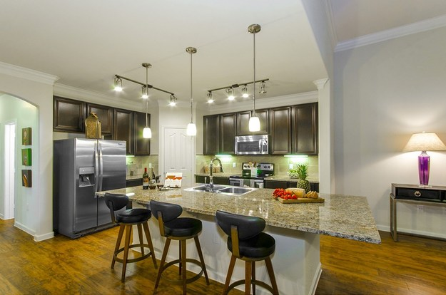4 Bedrooms 3 Bathrooms Apartment for rent at Mansions At Lakeline in Austin, TX
