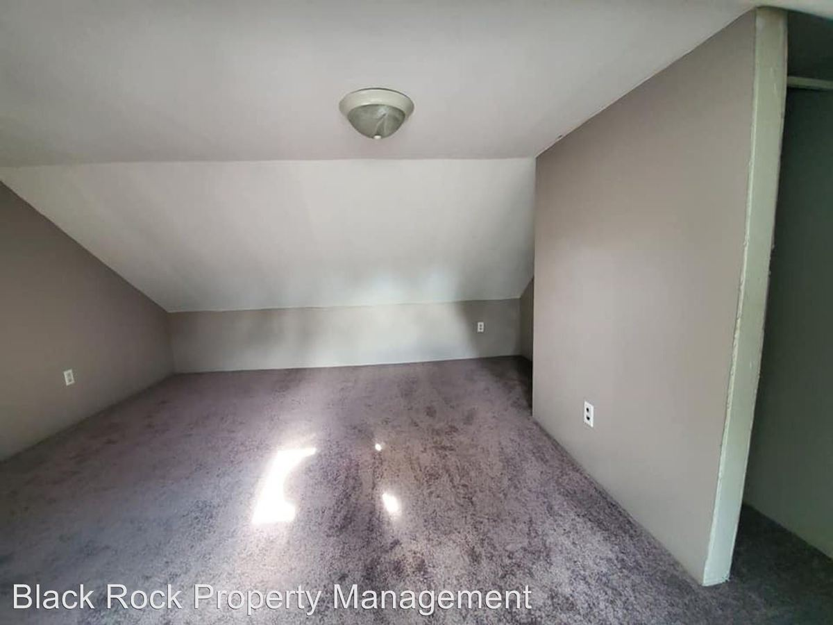 2 Bedrooms 1 Bathroom Apartment for rent at 48/49 Main Street in Junedale, PA