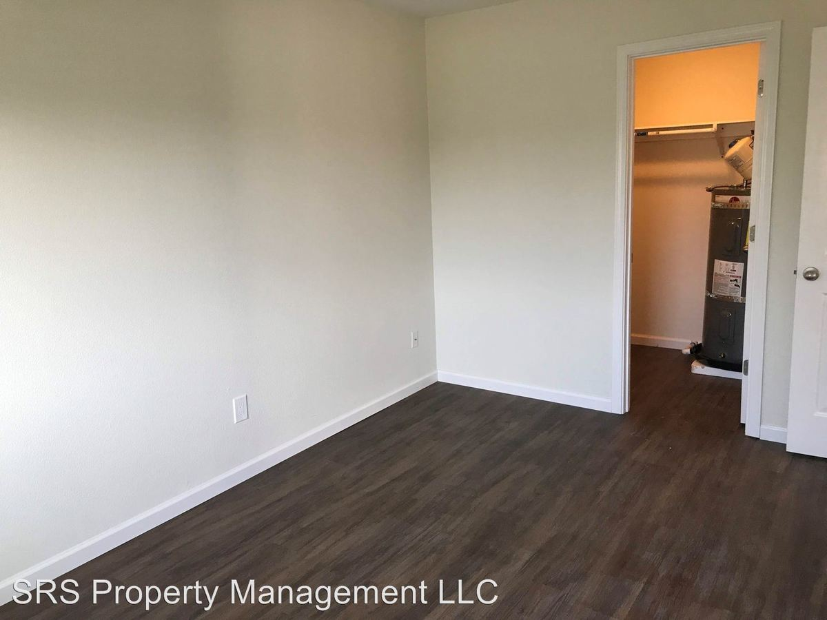 2 Bedrooms 1 Bathroom Apartment for rent at 401 Blackburn Road in Mount Vernon, WA