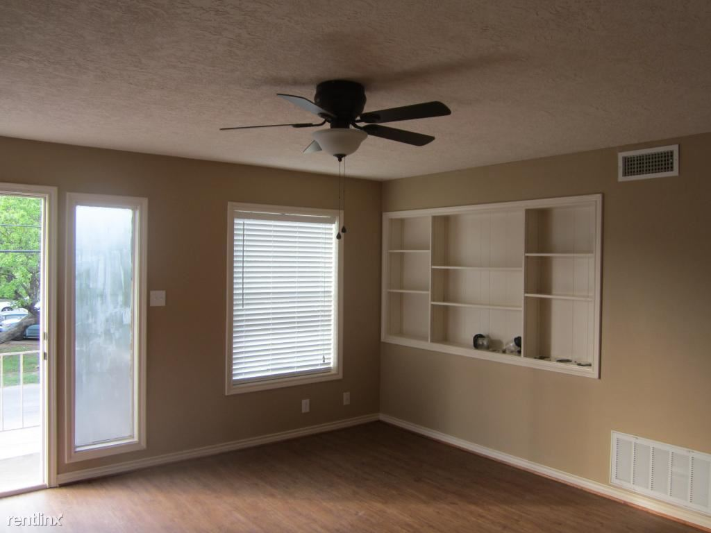 2 Bedrooms 1 Bathroom Apartment for rent at 503 Foch St in Bryan, TX