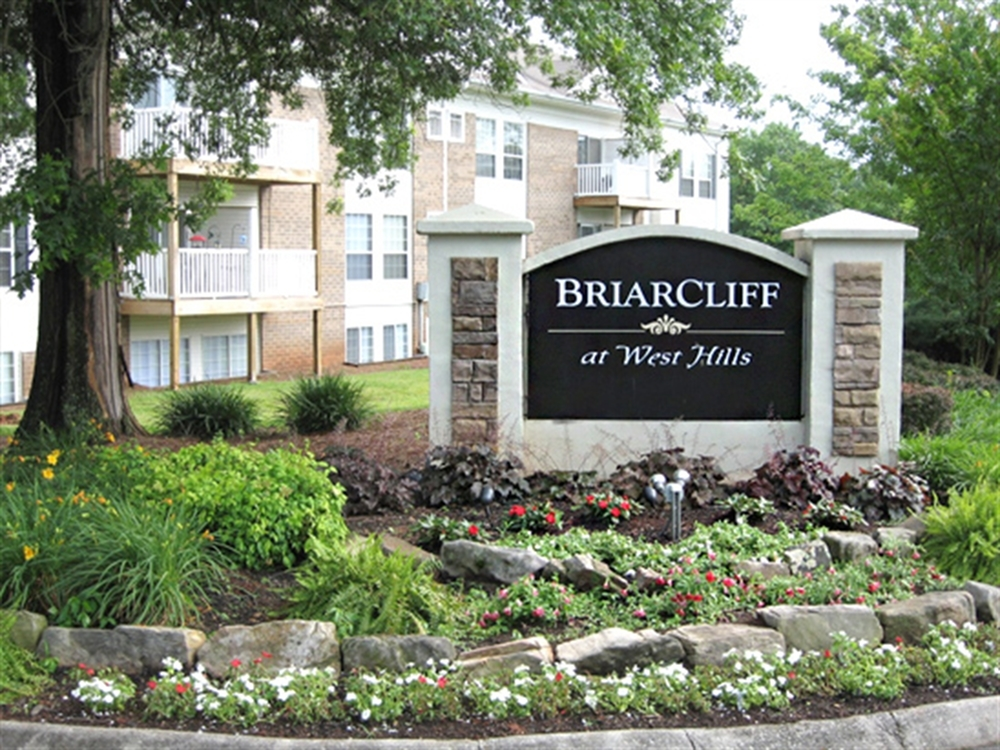 Apartments Near Tennessee Briarcliff At West Hills for Tennessee Students in , TN