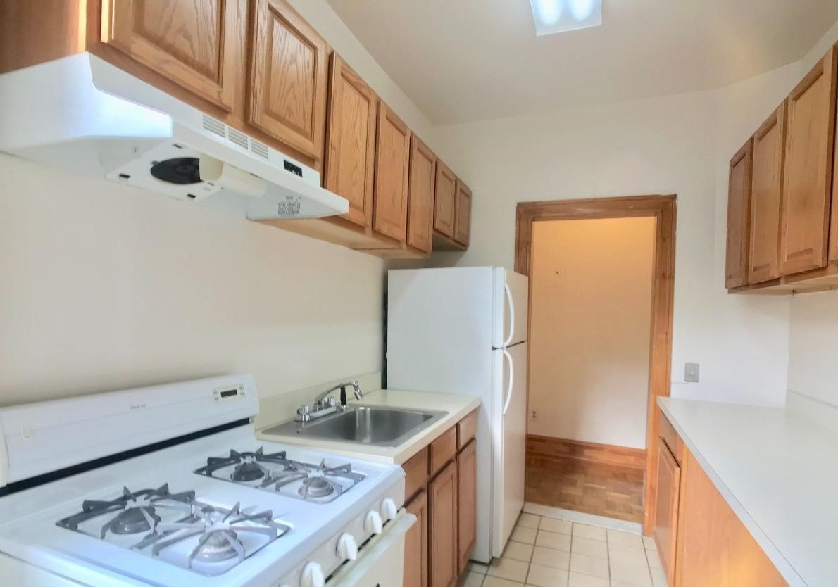 2 Bedrooms 1 Bathroom Apartment for rent at 64 West 108th Street in New York, NY