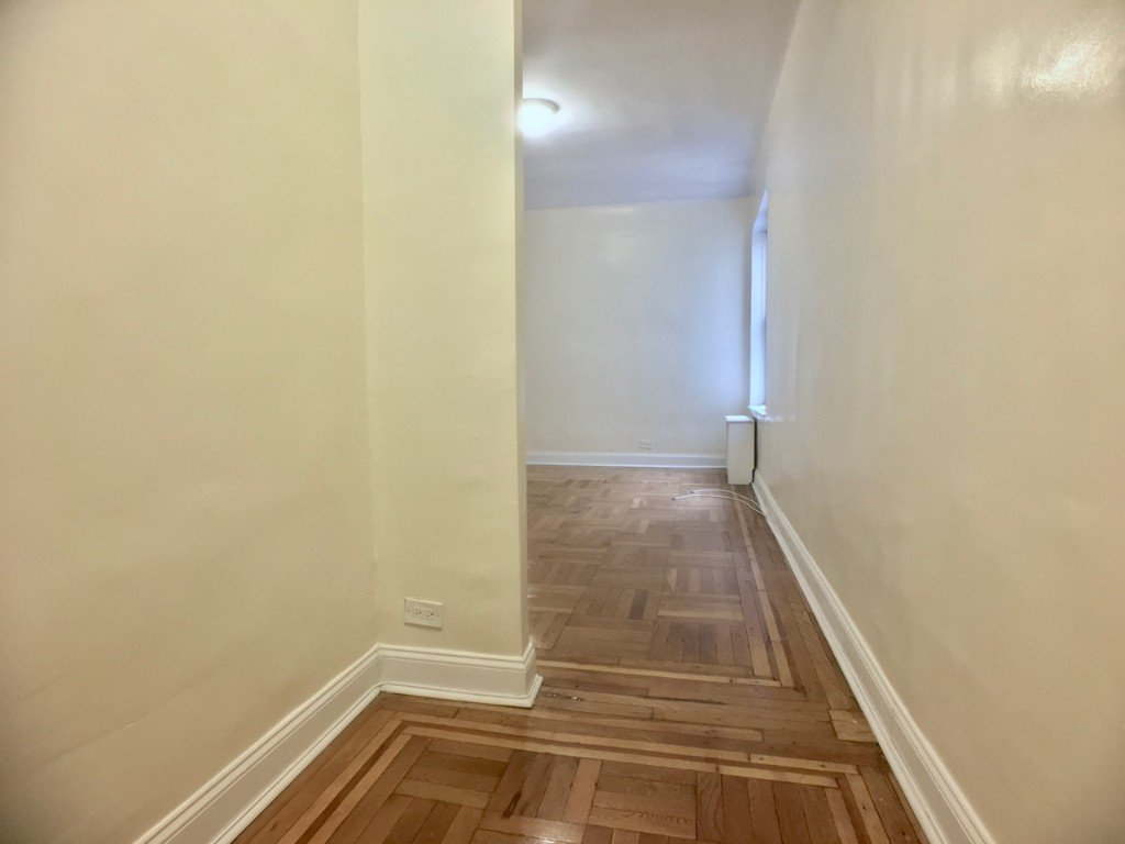 1 Bedroom 1 Bathroom Apartment for rent at 106 Fort Washington Ave in New York, NY