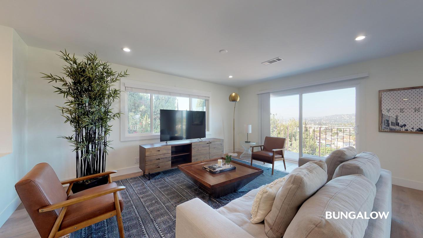 Private Room In Spacious Glassell Park Home With Amazing City Views rental