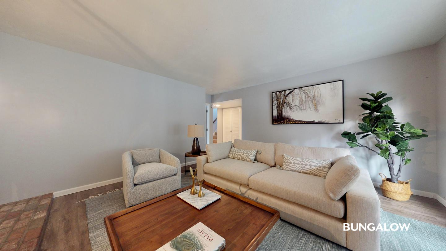 Private Bedroom In Classic College West Home With Lovely Backyard