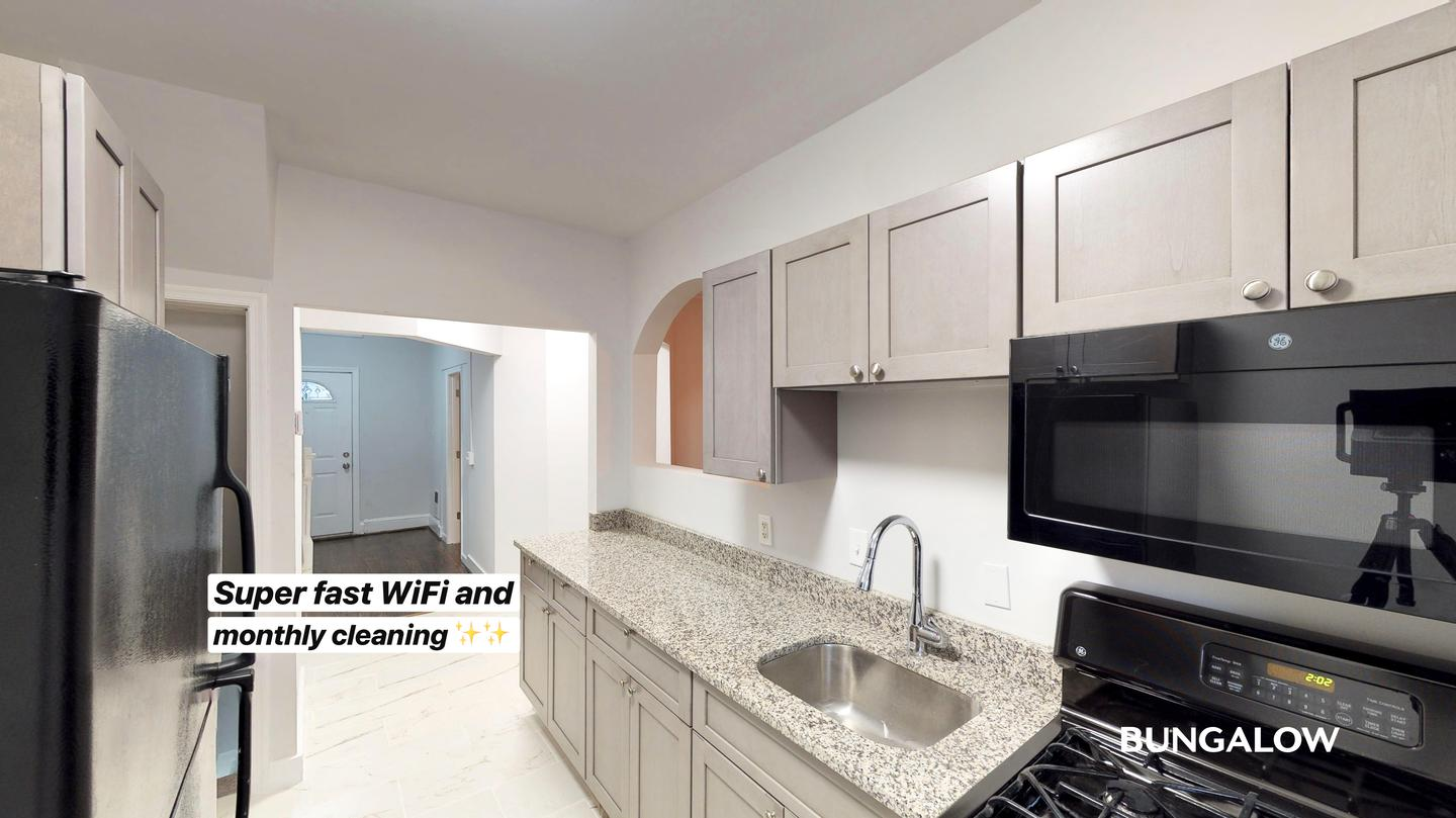 Private Bedroom In Stately Columbia Heights Townhome Near Green And Yellow Lines for rent