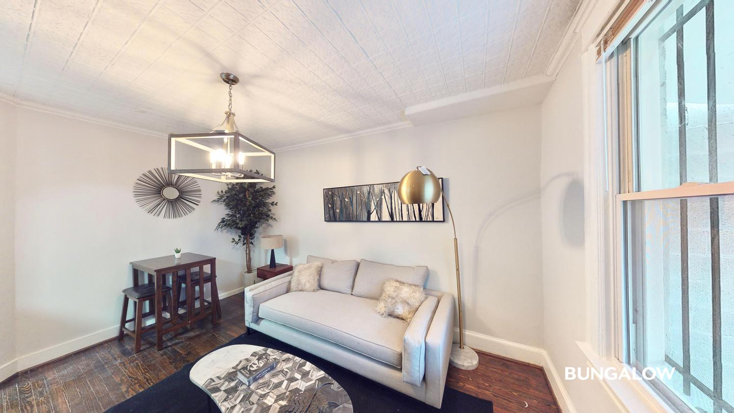 Private Bedroom In Stately Columbia Heights Townhome Near Green And Yellow Lines