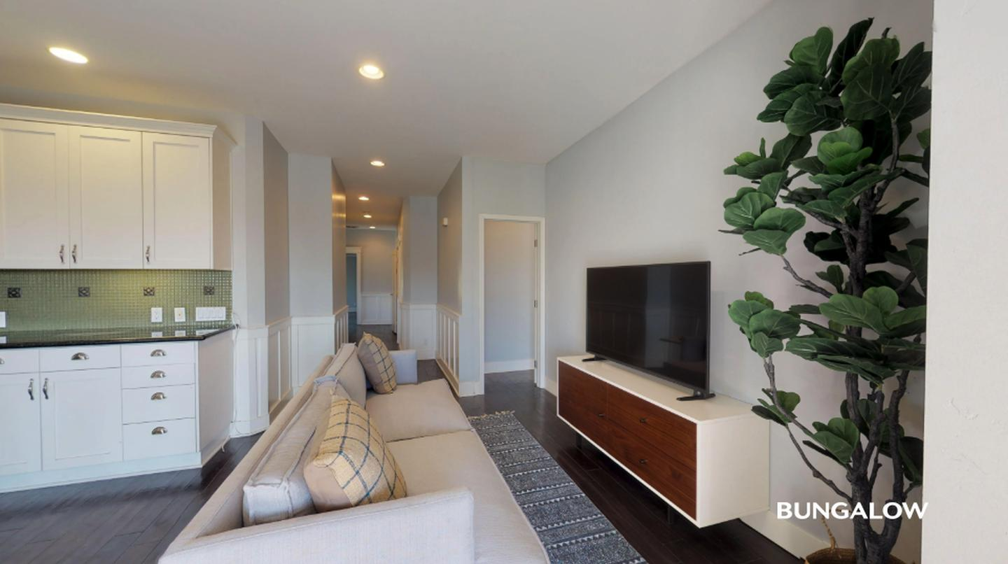 Private Bedroom In Elegant Golden Hill Townhome With City Views for rent