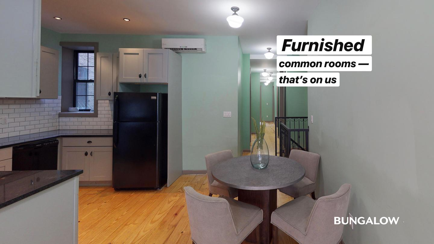 Room In Lively Harlem Duplex Near The Subway photo