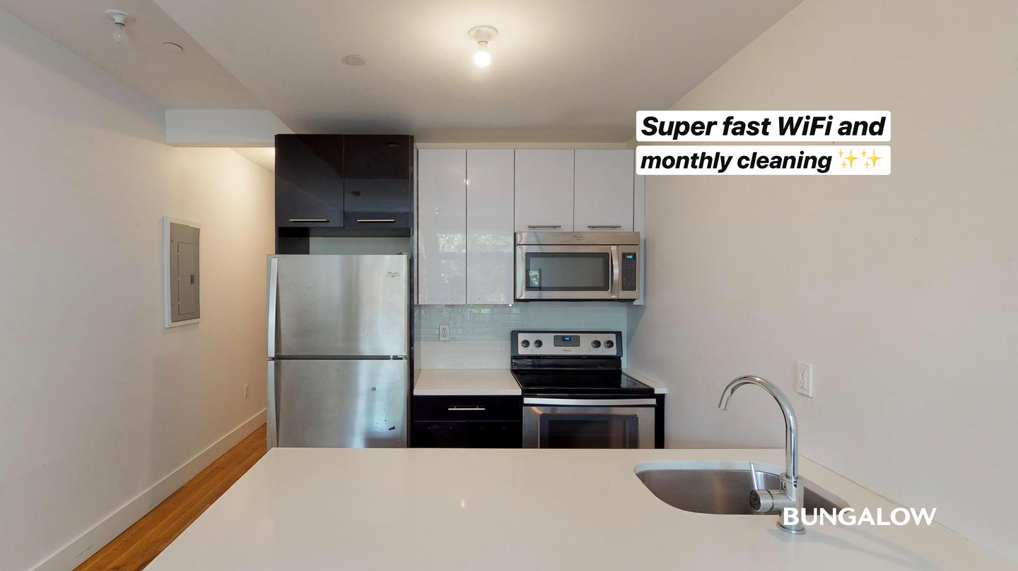 Private Room in Classic Williamsburg Unit With a Beautiful Backyard rental