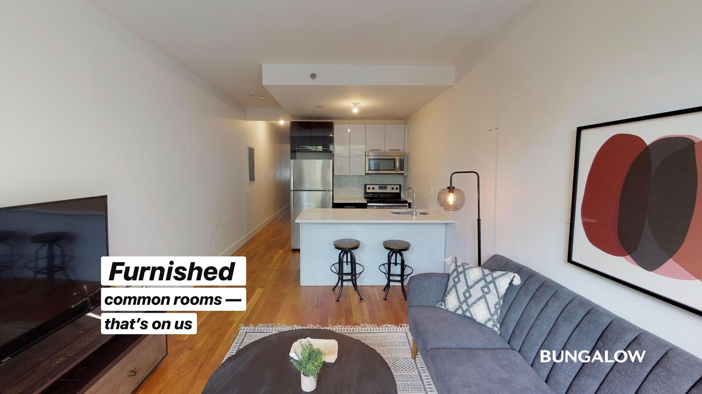 Private Room in Classic Williamsburg Unit With a Beautiful Backyard for rent