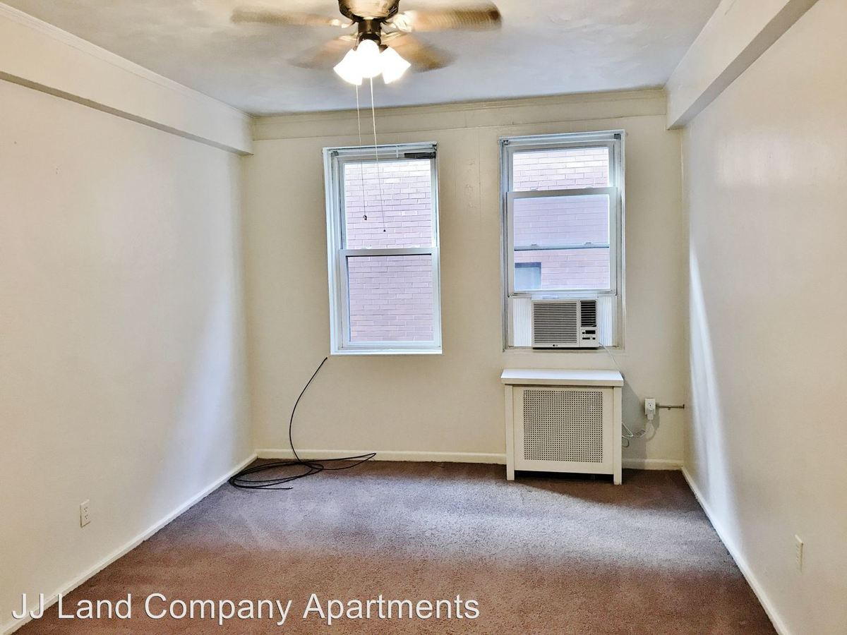 2 Bedrooms 1 Bathroom Apartment for rent at 1914 Murray Ave. in Pittsburgh, PA