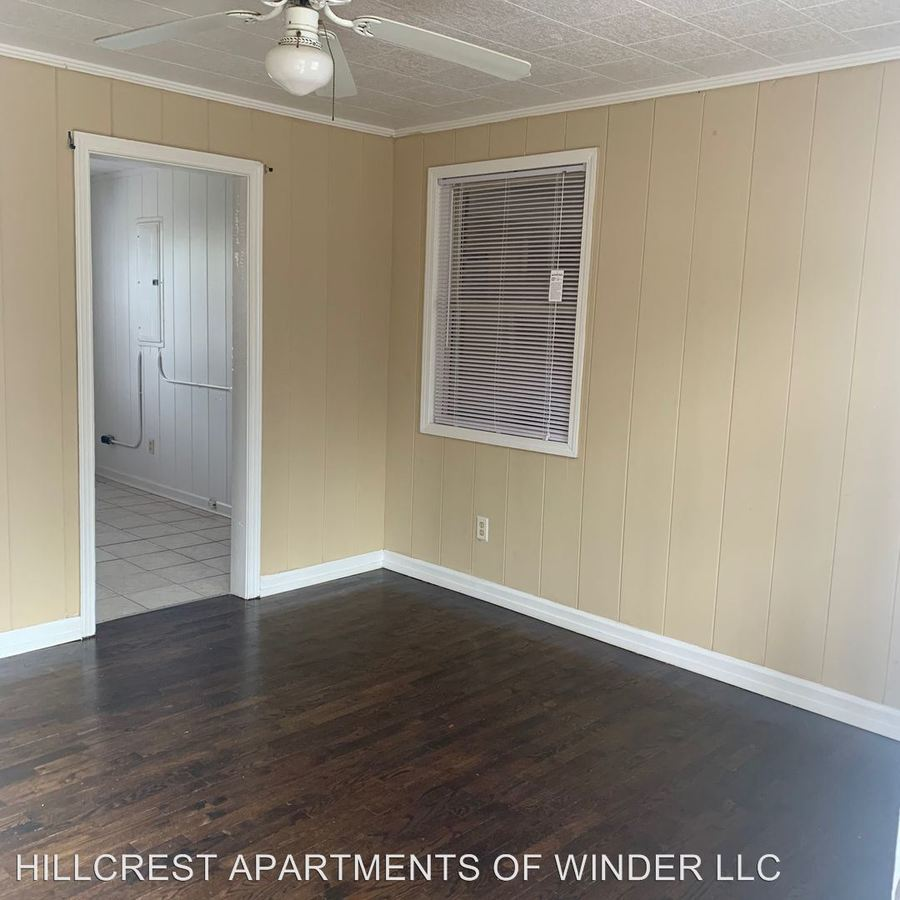 3 Bedrooms 1 Bathroom Apartment for rent at 490 Gainesville Hwy in Winder, GA