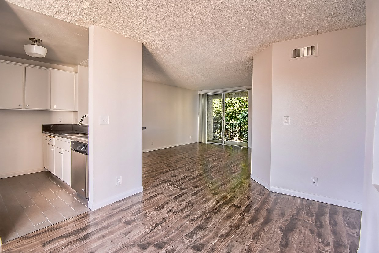 2 Bedrooms 2 Bathrooms Apartment for rent at 4664 W 3rd St in Los Angeles, CA
