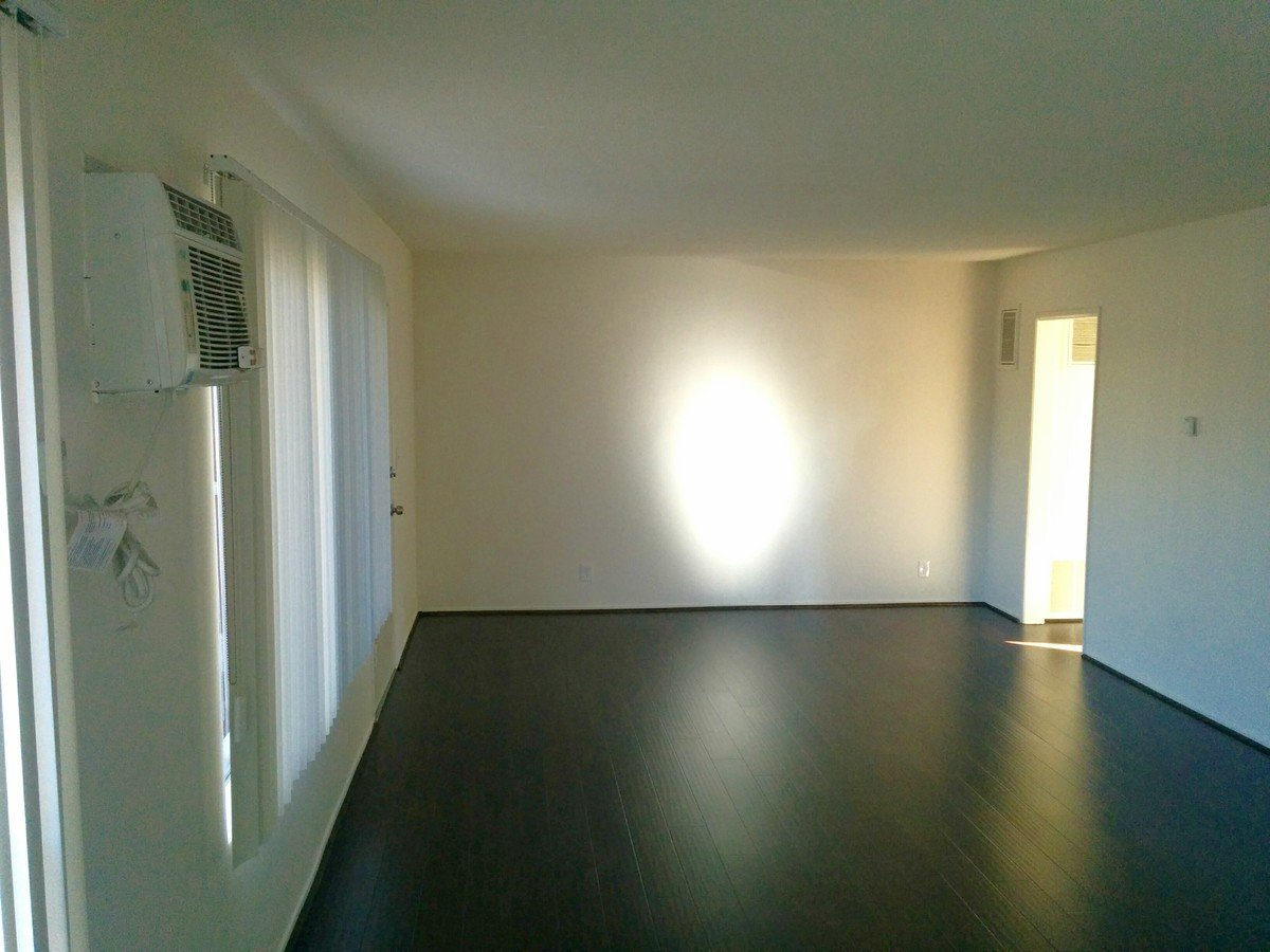 1 Bedroom 1 Bathroom Apartment for rent at 1550 Harvard in Los Angeles, CA