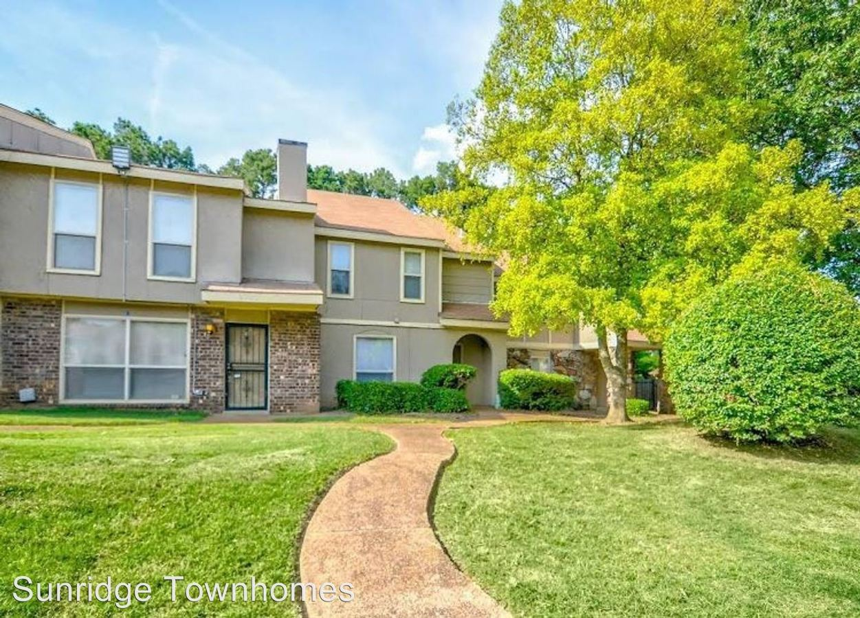 4 Bedrooms 3 Bathrooms Apartment for rent at Sunridge Townhomes in Memphis, TN