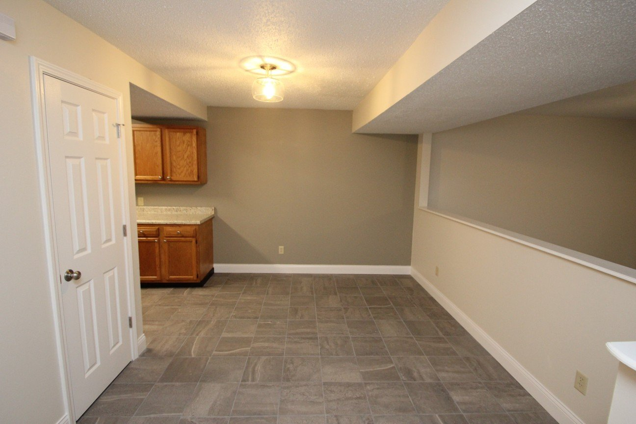 3 Bedrooms 2 Bathrooms Apartment for rent at Summerhouse At Indiana in Bloomington, IN