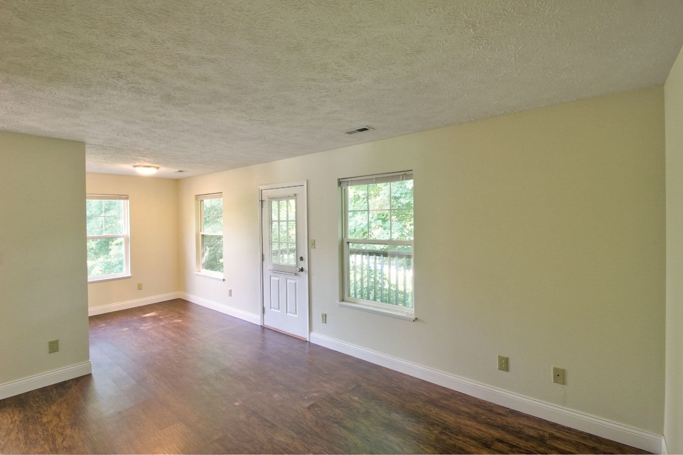 1 Bedroom 1 Bathroom Apartment for rent at Huntington Gardens in Bloomington, IN