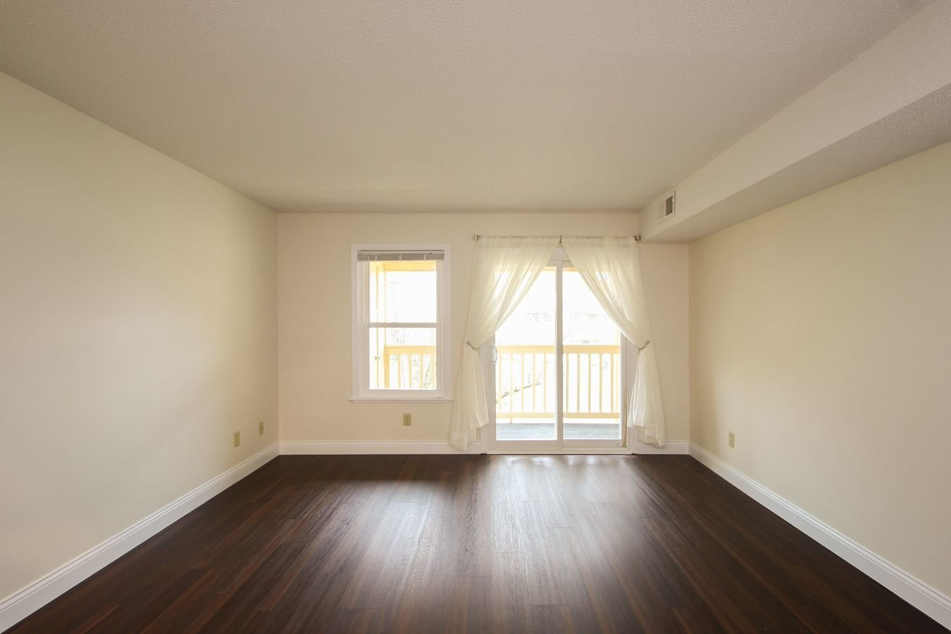 2 Bedrooms 2 Bathrooms Apartment for rent at Covenanter Hill Neighborhood District in Bloomington, IN