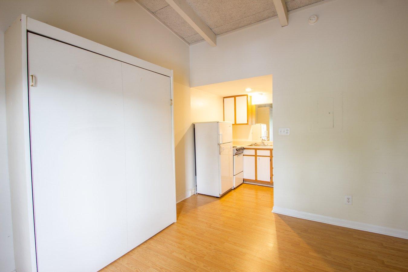 Studio 1 Bathroom Apartment for rent at Scholar's Rock Studio Apartments in Bloomington, IN