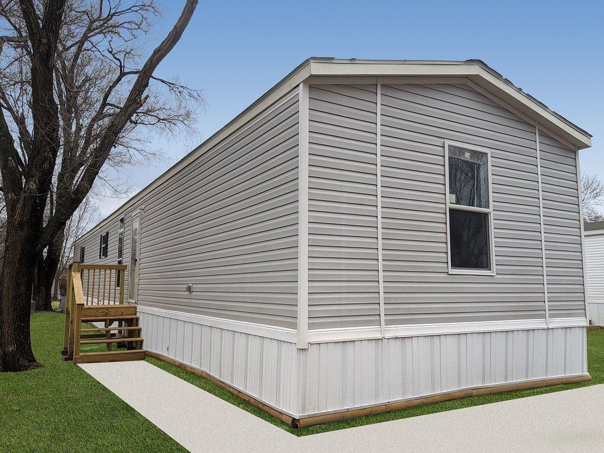 3 Bedrooms 2 Bathrooms House for rent at Treasure Park Creekside in Kansas City, KS