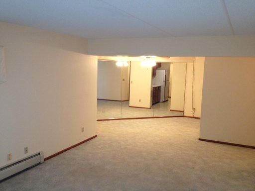 2 Bedrooms 2 Bathrooms Apartment for rent at 4622 Cedar Avenue south - in Minneapolis, MN