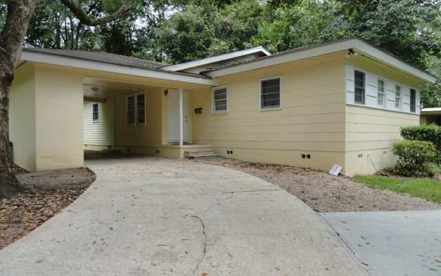 5 Bedrooms 2 Bathrooms House for rent at Atkamire in Tallahassee, FL