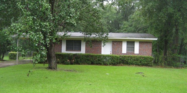 2 Bedrooms 1 Bathroom Apartment for rent at Melanie Houses 2 in Tallahassee, FL