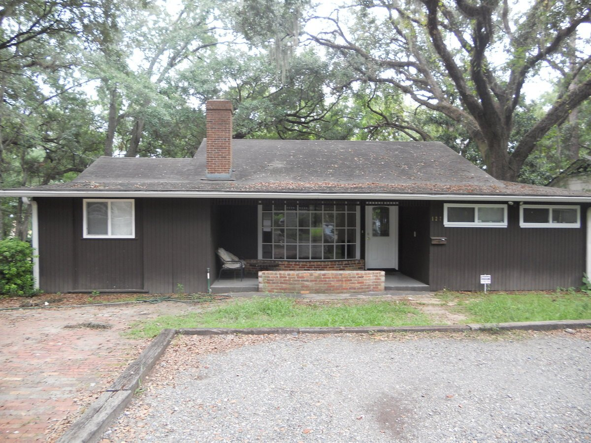 4 Bedrooms 3 Bathrooms House for rent at Jackson Bluff Rd. in Tallahassee, FL