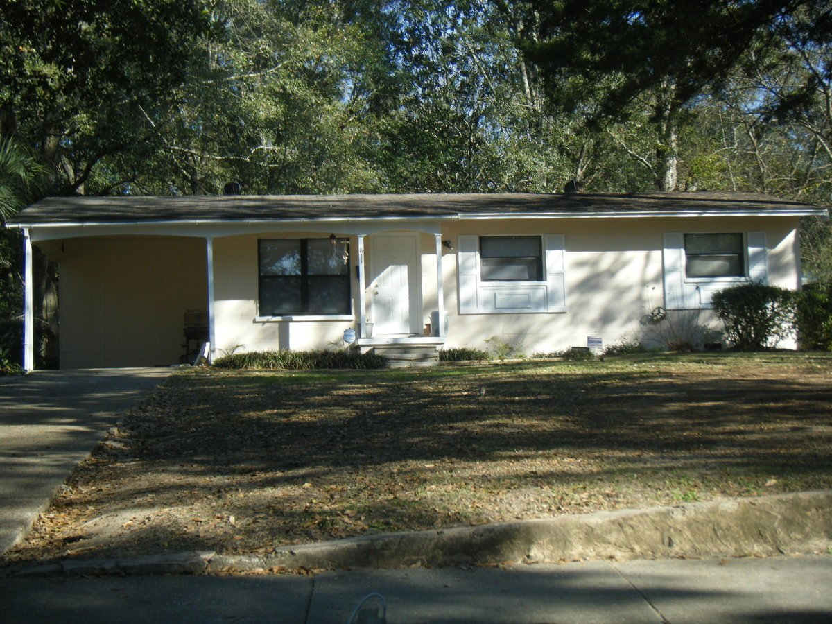 3 Bedrooms 2 Bathrooms House for rent at Jackson Bluff Rd. in Tallahassee, FL