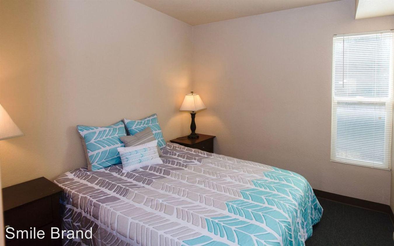 1 Bedroom 1 Bathroom Apartment for rent at 603 E. Clark in Champaign, IL